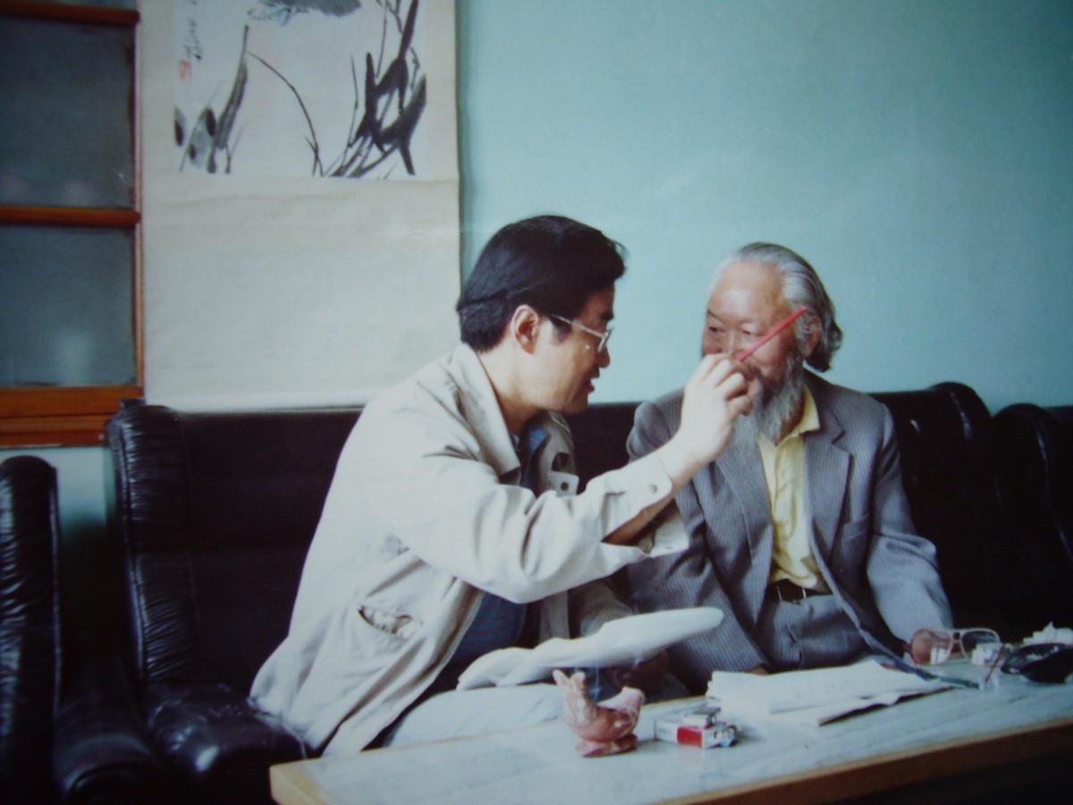 1990,5作者与陈登科(右).JPG