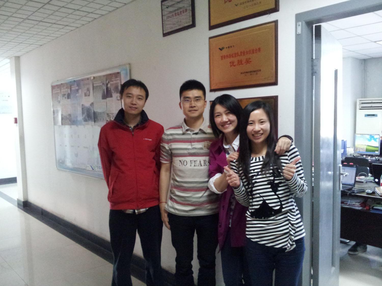 2014年4月第一次赴阎良采访与试飞工程师马菲、殷湘涛和乐娅菲合影.jpg