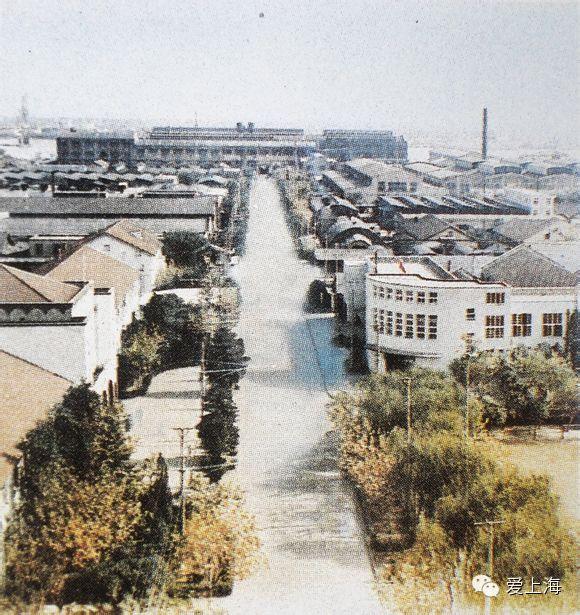 七十年代的上海机床厂中央大道.jpeg
