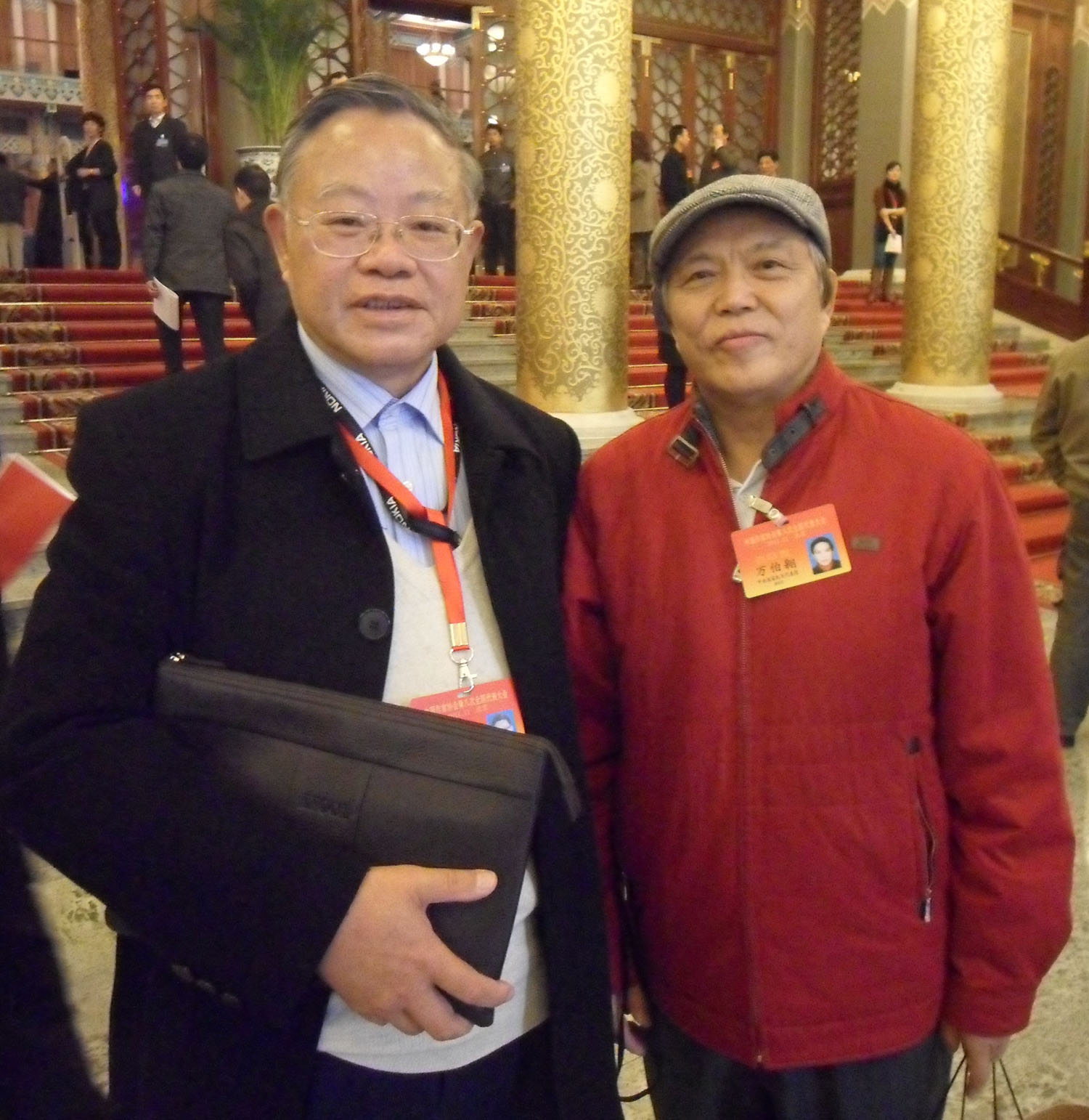 2011年11月25日叶永烈与万里长子万伯翱在北京饭店.jpg