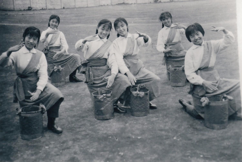 藏族舞蹈《洗衣歌》.jpg