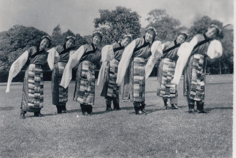 藏族舞蹈《在北京的金山上》.jpg