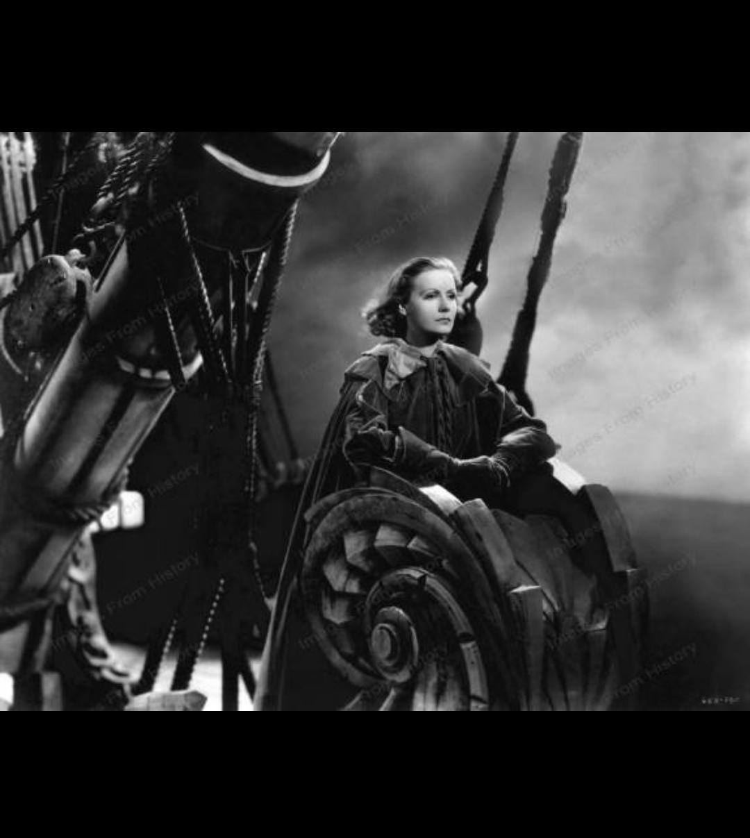 """图十二:《琼宫恨史》剧照。嘉宝饰演瑞典女王克里斯蒂娜说""""我们启航。风在送我们……""""(图片来自网络).jpg"""
